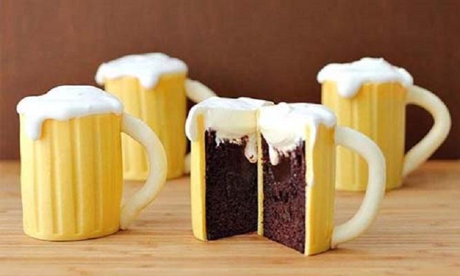 Торт в виде пивной кружки