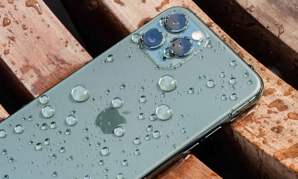 iPhone под дождём